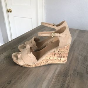 Time and Tru Nude Suede Wedges sz 10